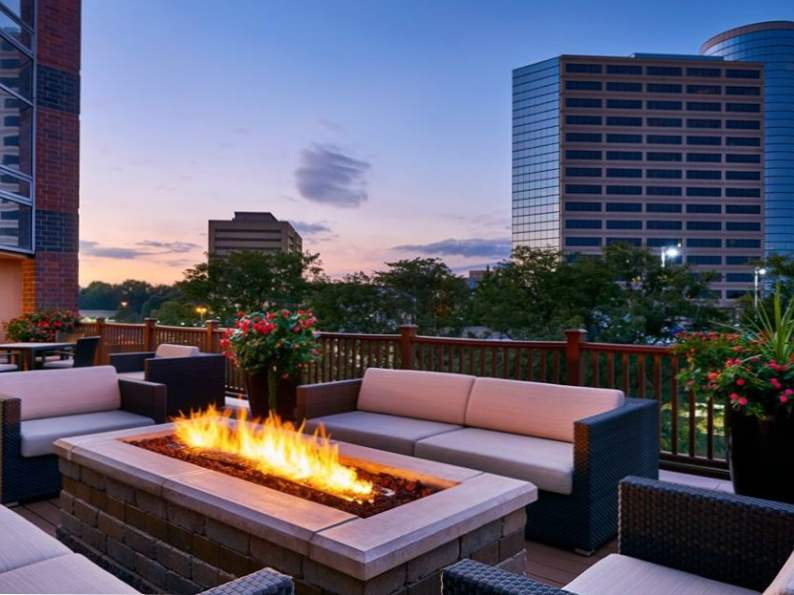 10 best hotels in indianapolis 10
