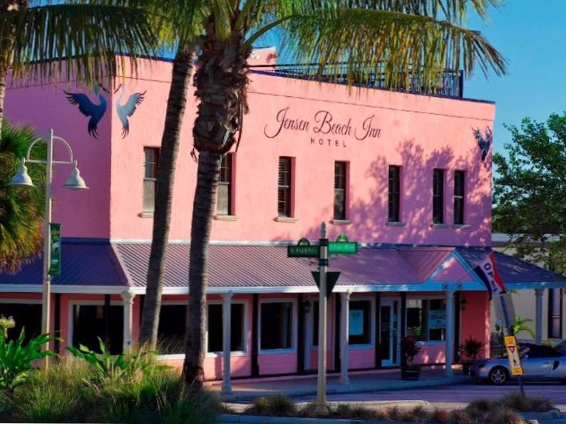 10 picture perfect pink hotels in florida 10