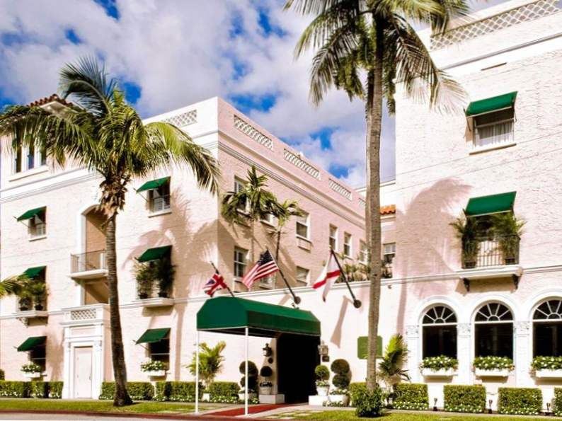 10 picture perfect pink hotels in florida 7