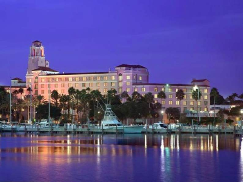 10 picture perfect pink hotels in florida 8