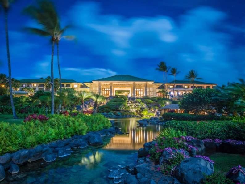 8 beautiful hotels in kauai hawaii