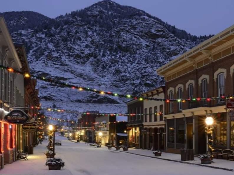 8 best christmas vacation destinations in colorado 4
