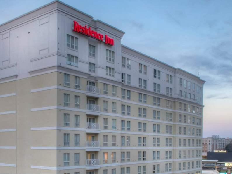 8 best hotels near bank of america stadium in charlotte north carolina