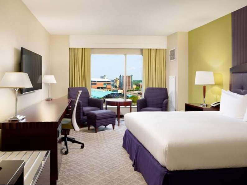 8 best hotels near bank of america stadium in charlotte north carolina 8