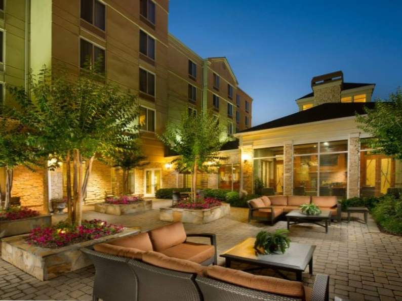 8 best hotels near suntrust park georgia 7