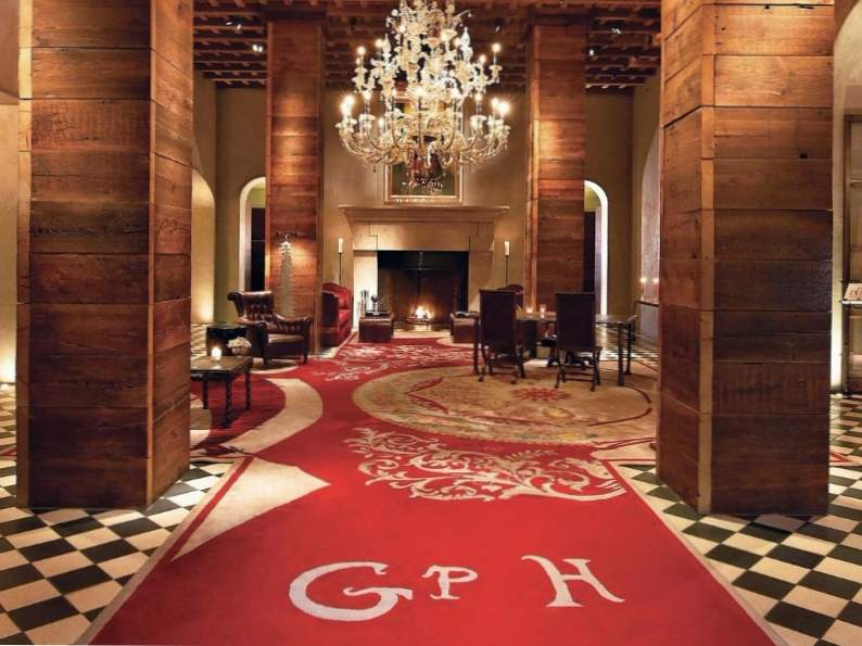 8 best luxury hotels in new york city for the holidays 4