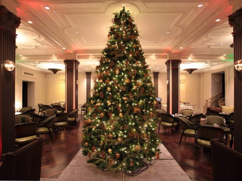 8 best luxury hotels in new york city for the holidays 6