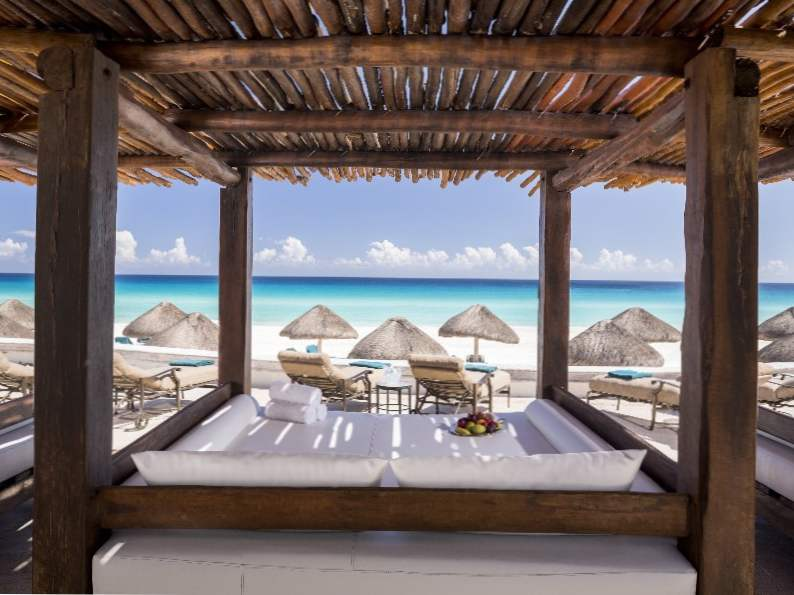 8 most romantic valentines day destinations by the beach 7