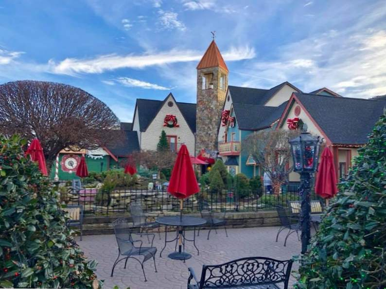celebrate all year long at the inn at christmas place in pigeon forge tennessee 4