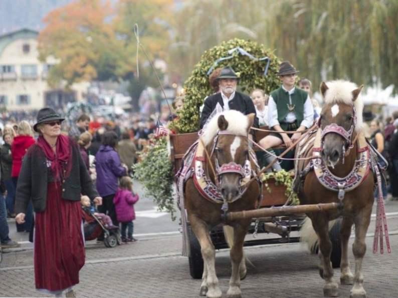 celebrate authentic german traditions at leavenworth oktoberfest