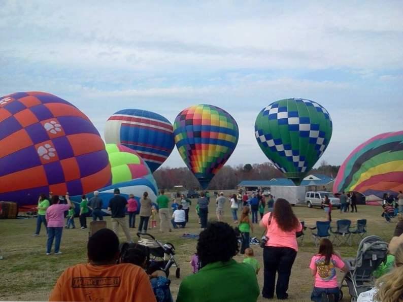 celebrate st patricks day at this unique hot air balloon festival in dublin ga 4