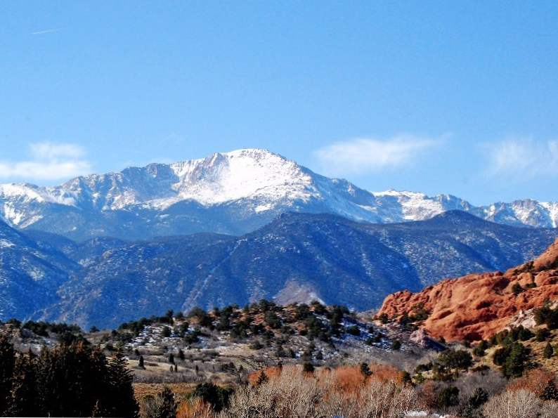 experience garden of the gods a national natural landmark in colorado