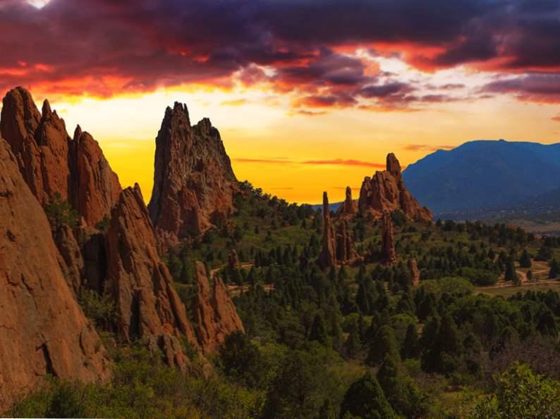 experience garden of the gods a national natural landmark in colorado 4