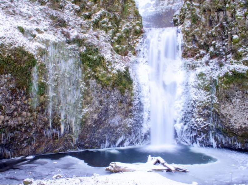experience pure oregon landscapes at columbia river gorge 5