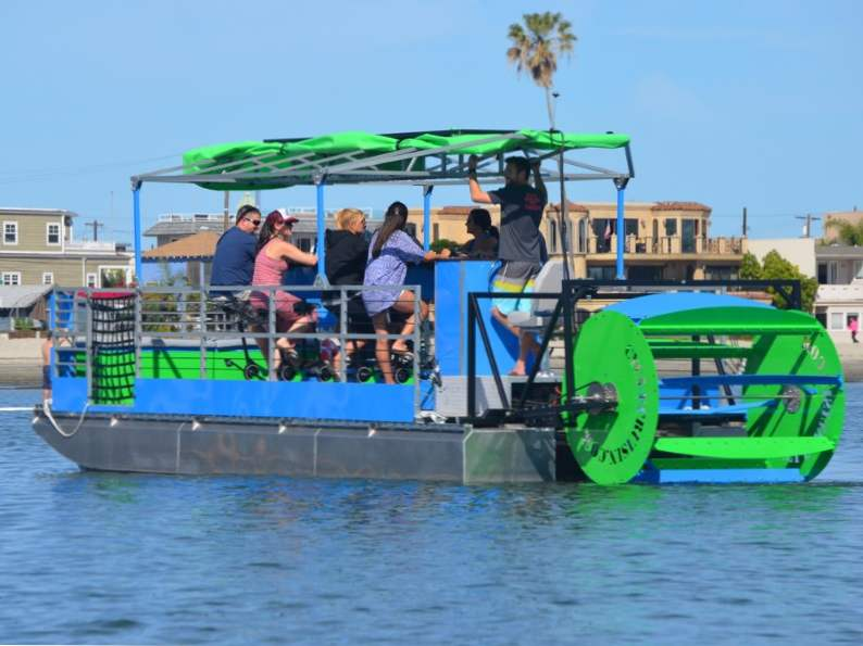 theres a pedal powered floating pub in tampa florida