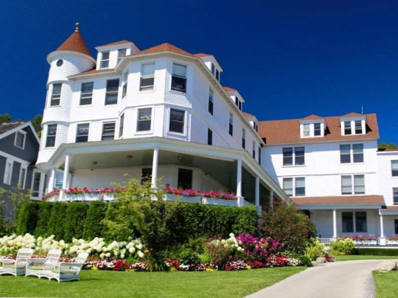 top 7 most romantic hotels in michigan 3
