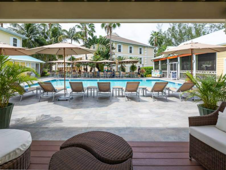 top 7 resorts in grand cayman 7