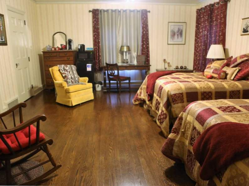 top 8 romantic bed and breakfasts near pittsburgh 4