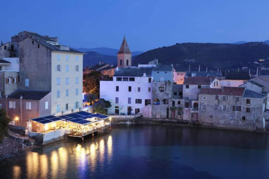 travel guide to corsica