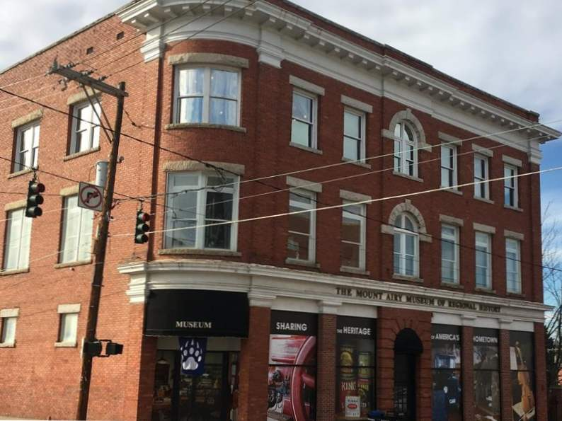 visit the real life mayberry in mount airy north carolina 4