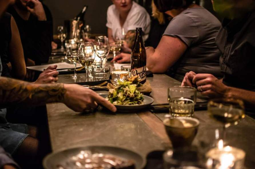 where to eat in rue notre dame ouest montreal