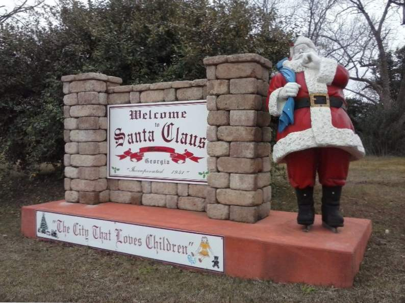 10 fun and festive christmas towns in georgia 5