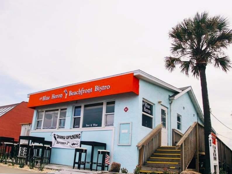 10 of the best beachfront restaurants in florida 9