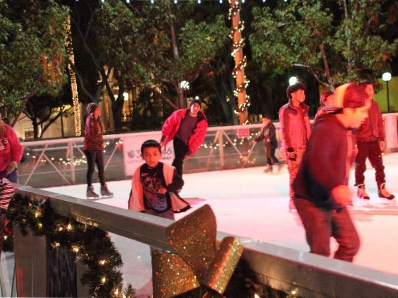 12 best ice skating rinks to visit in the us 10