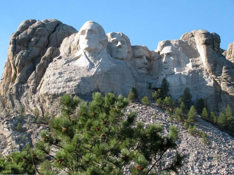 12 iconic us monuments memorials to visit