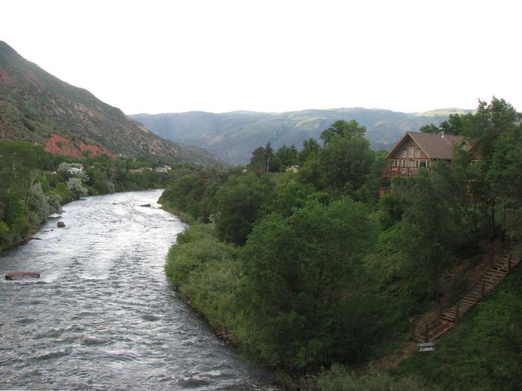 13 incredible colorado rivers for whitewater rafting 11