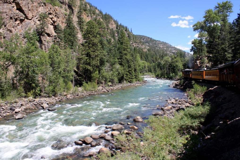 13 incredible colorado rivers for whitewater rafting 8