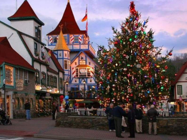 5 christmas traditions in georgia to experience this year 4
