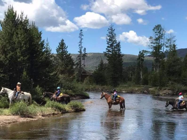 7 best wilderness lodges in the rocky mountain states 4
