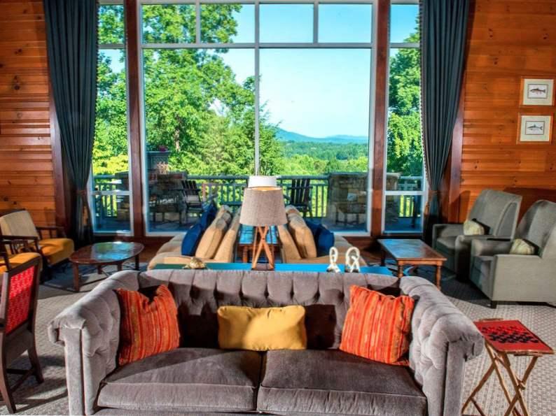 8 best honeymoon resorts in georgia 6