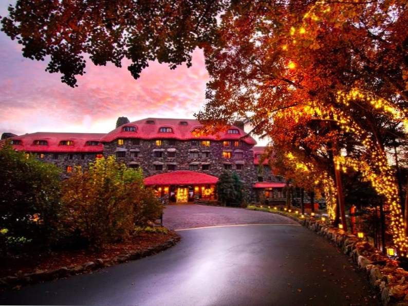 8 best resorts to visit if you love fall foliage 3