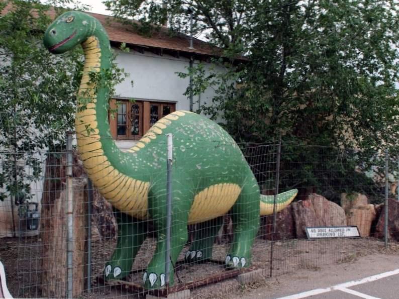 8 iconic arizona roadside attractions 7