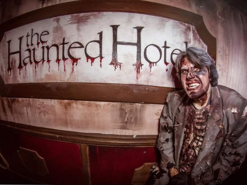 californias 9 best haunted halloween attractions
