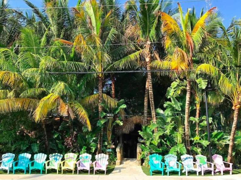 dine in paradise at guanabanas restaurant in jupiter fl
