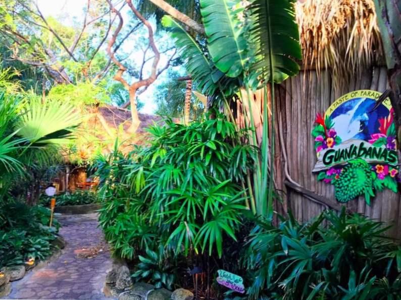 dine in paradise at guanabanas restaurant in jupiter fl 4