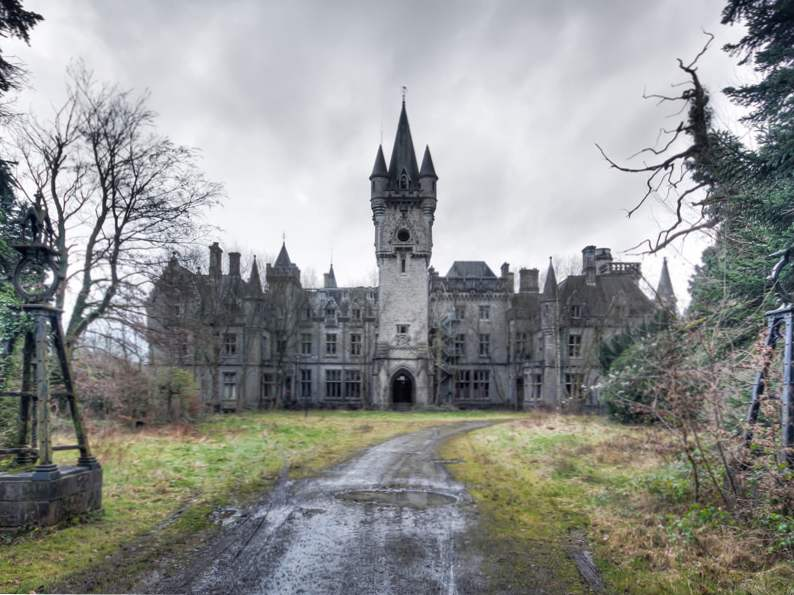 the worlds top 9 must see abandoned attractions