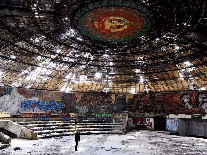 the worlds top 9 must see abandoned attractions 6