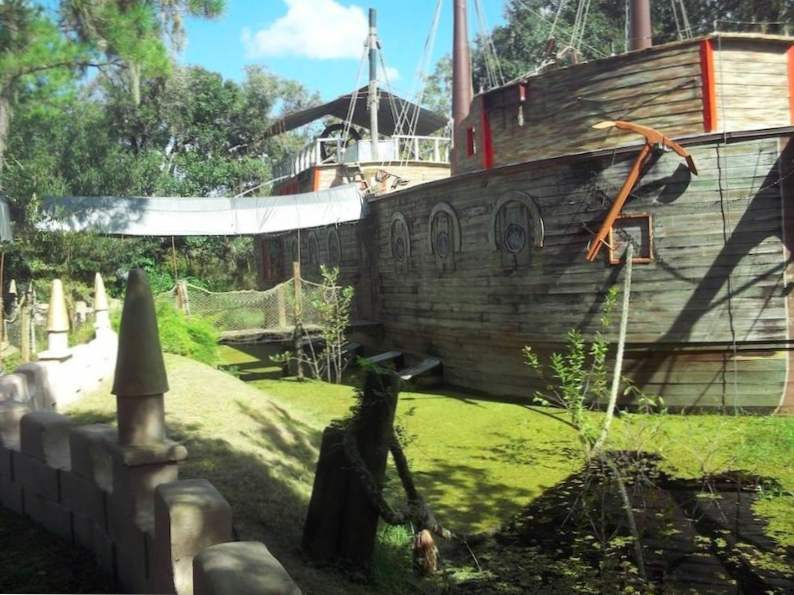 this quirky fairy tale castle in florida is a great family day trip 4