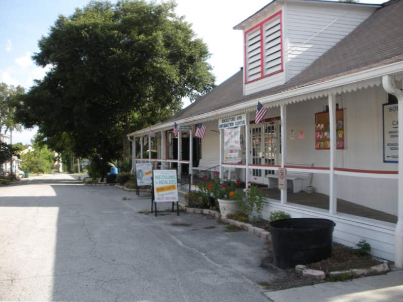 visit the psychic capital of the world in this small florida town 3