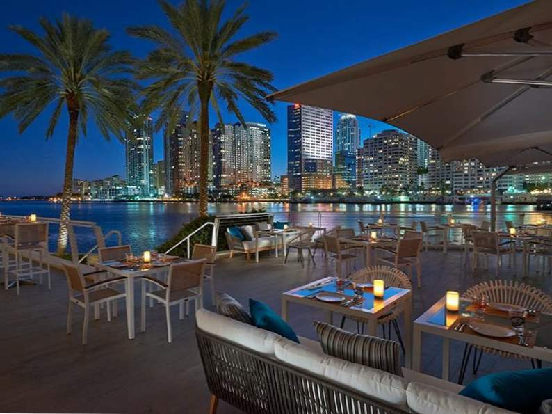 10 incredible restaurants with waterfront dining in florida