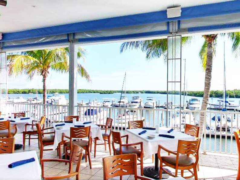 10 incredible restaurants with waterfront dining in florida 2