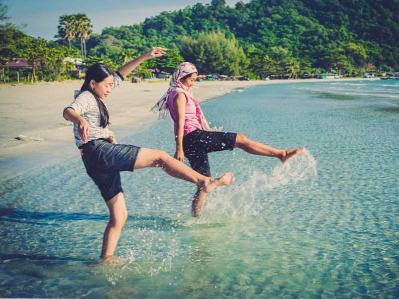 12 cheap travel tips millennials swear by 11