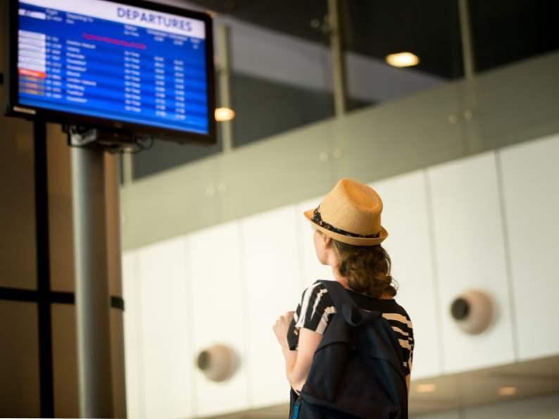 12 cheap travel tips millennials swear by 2