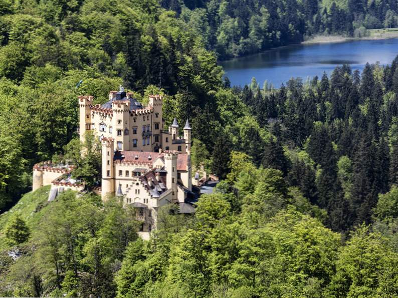 20 of the worlds most magnificent castles 12