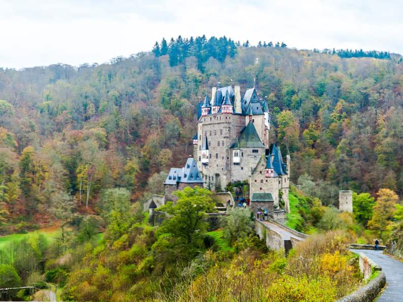 20 of the worlds most magnificent castles 16