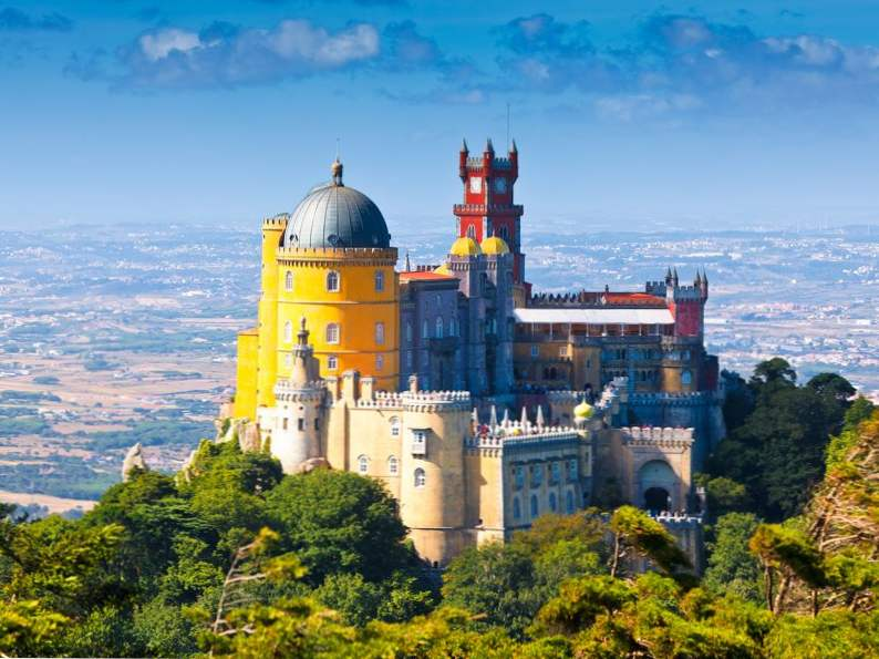 20 of the worlds most magnificent castles 18